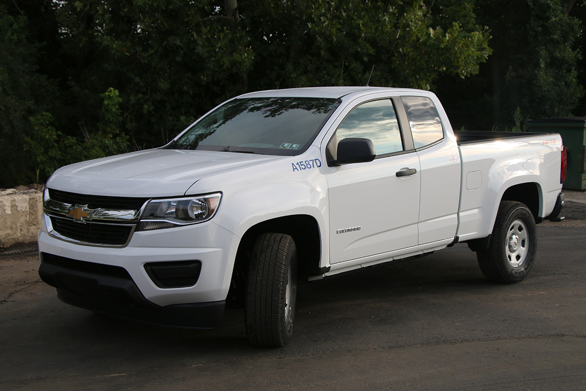 1 4 Ton Pickup Truck Driver Side Extended Cab