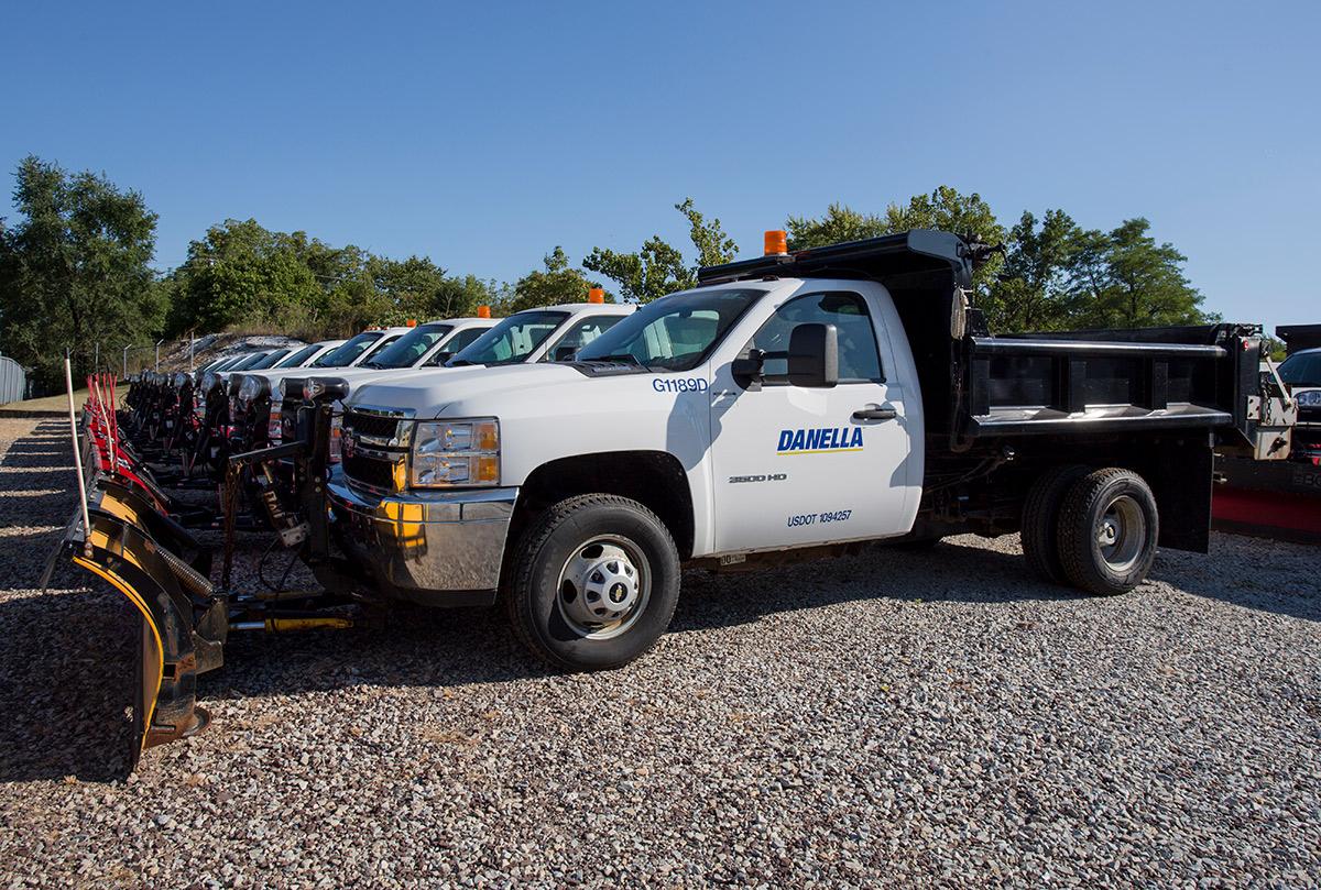 2 6 Cubic Yard Dump Truck Driver Side Snow Plow