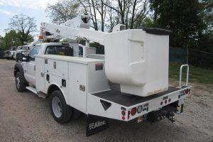 27 41 ft Buck Truck 19000 GVWR Rear Drive Side