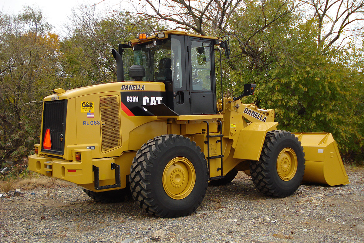 Front End Loader Passenger Side CAT 938M