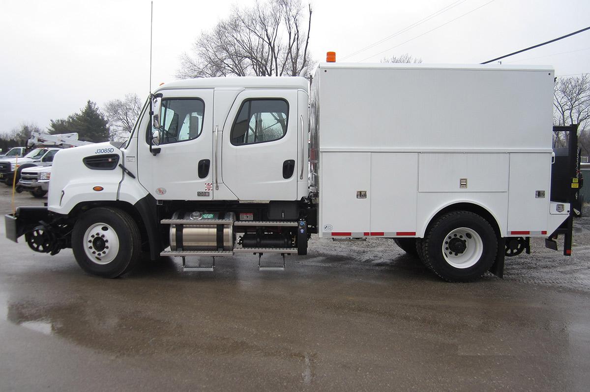 Thermite Welding Truck 33000 GVWR Driver Side Hi Rail