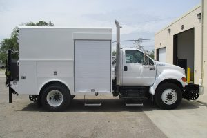 Thermite Welding Truck 33000 GVWR Passenger Side Hi Rail