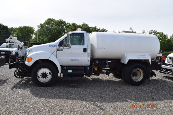 2013 Hi Rail Water Truck 1