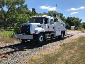 hi rail combination welding truck