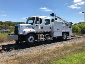 Hi-Rail Combination Welding Truck side view